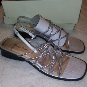 Carriage Court Size 10M Silver Dress Sandals